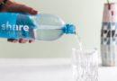 Erste Wasserflasche aus Rezyklaten