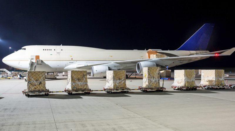 Verpackungen müssen auch lange Transportwege aushalten können. Luftfrachtverpackungen sind für Industriegüter-Verpacker Alltagsgeschäft.