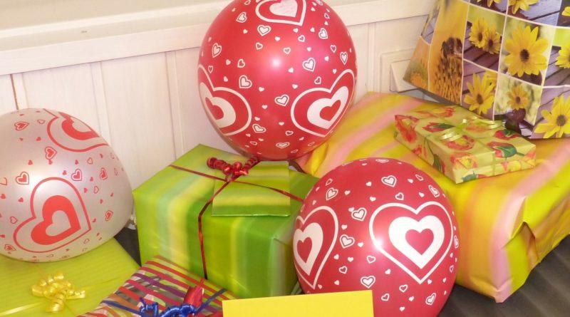 Geschenk und Geschenkverpackung: Das Oberlandesgericht Koblenz befasste sich mit einem tragischen Streit um eine Geschenkverpackung