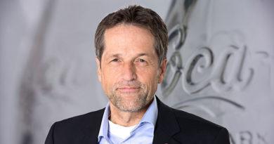 Coca-Cola-Experte Bachmann erläutert Nachhaltigkeit-Strategie
