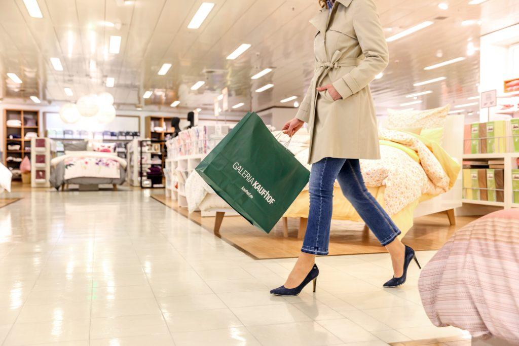 Galeria Kaufhof bans plastic bags Das Premium Themenportal