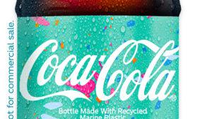 Coca cola-Musterflasche mit Meeresplastik