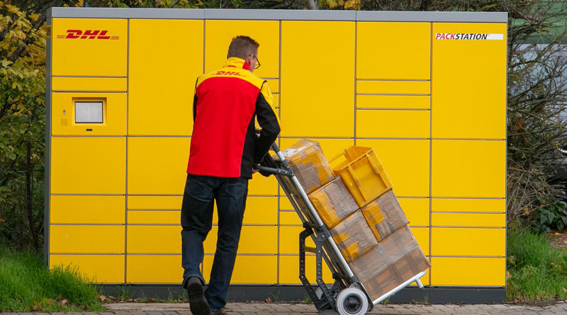 Viele Pakete werden zurückgeschickt, Studie zu Retouren