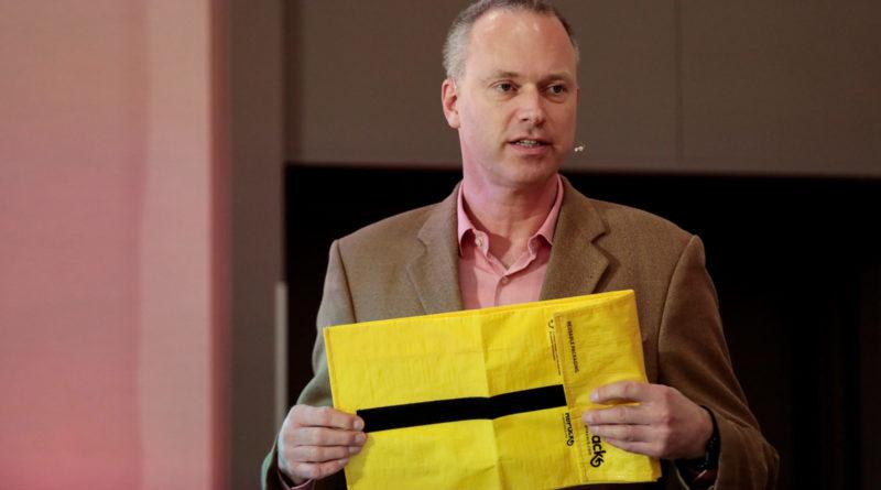 Olaf Dechow von der otto-group stellte eine Mehrwegverpackung vor, die noch getestet wird
