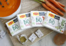 Organic bouillon cubes in recyclable paper packaging